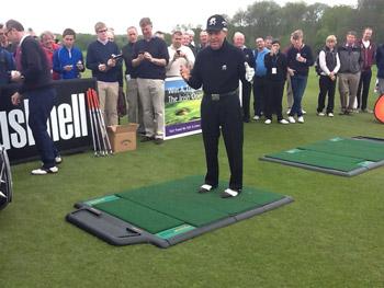 Golf Show Live 2012 - TrueStrike & TrueTee Wow The Crowds - Tony Jacklin